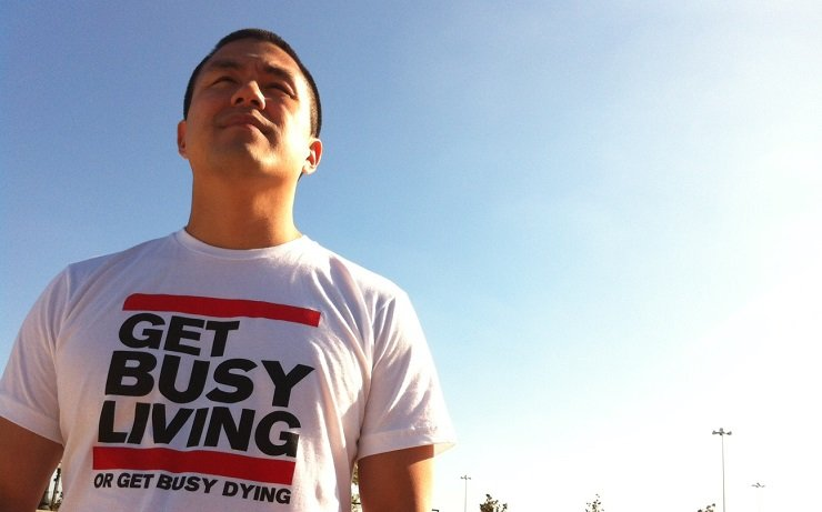 WKW 52: How to Make Six Figures a Year Selling T-shirts Online with Benny Hsu