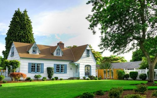 Vintage house on Green Grassy Hill