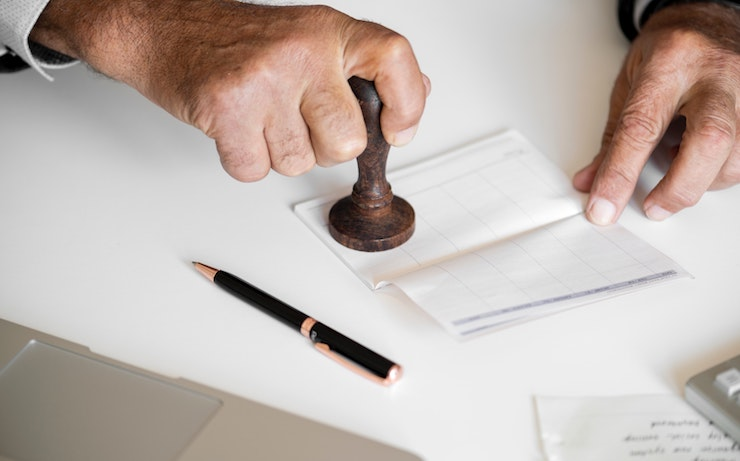 How to Easily and Quickly Make Money as a Notary
