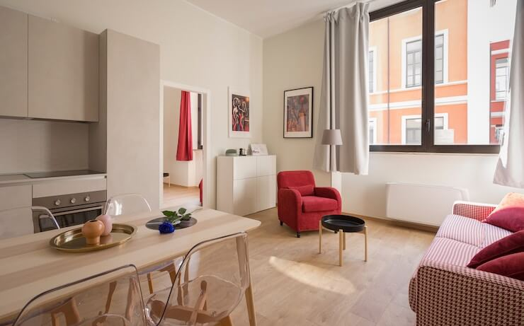 Beautiful apartment with red accents for Airbnb rent