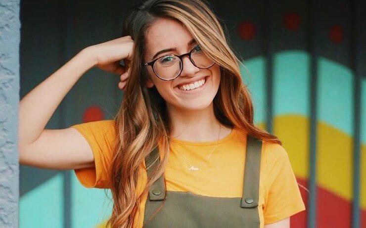 Cailey Lynn Headshot