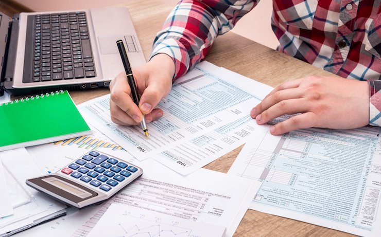 Should You Claim 0 or 1 on Your Tax Return?